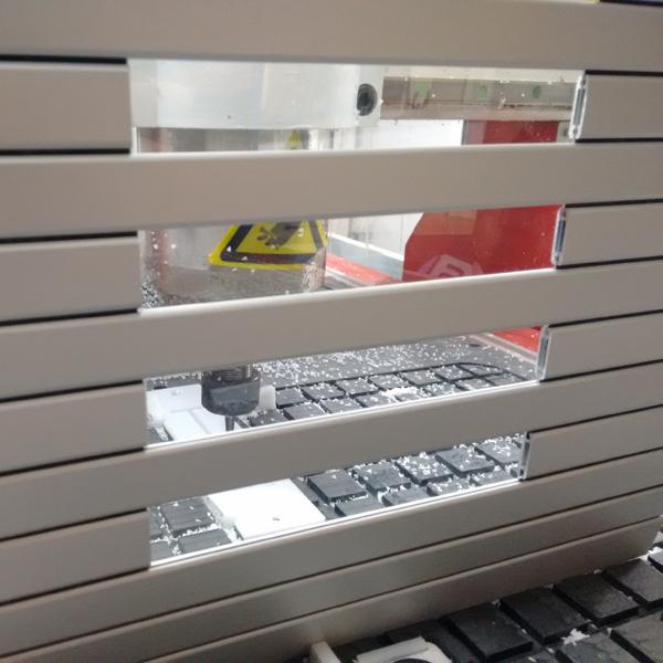 Persiana de protección con ventana
