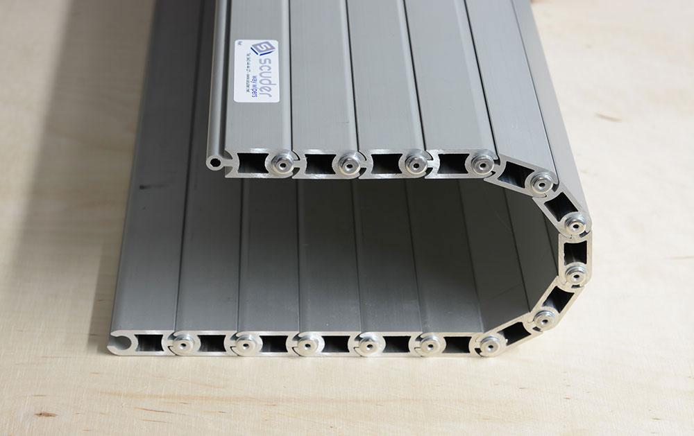 Persiana modelo CLA pisable-cubrefosos