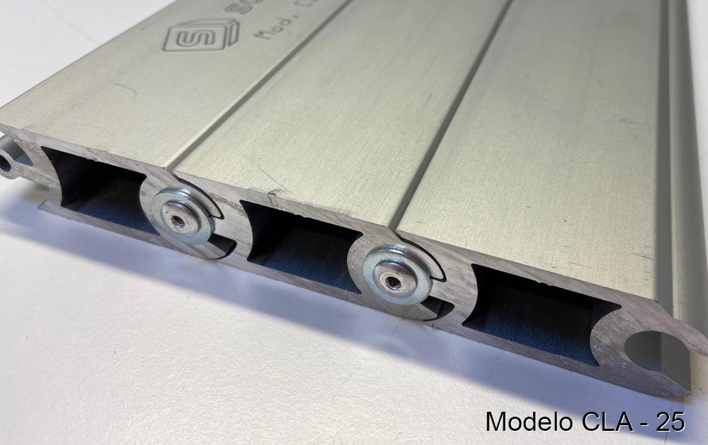 Persiana de protección para máquinas modelo CLA-25 pisable cubre-fosos